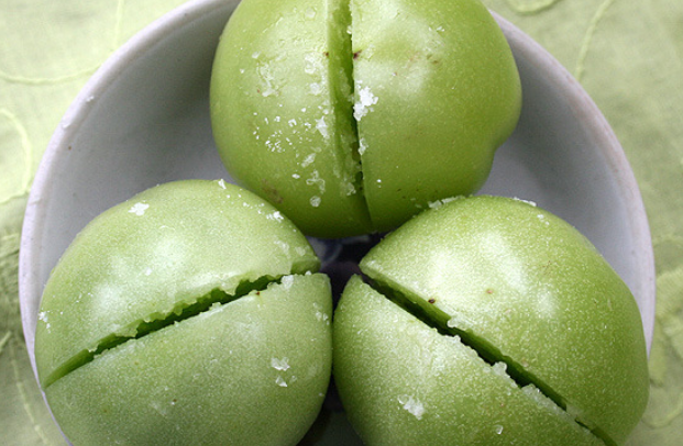 Засолка зеленых помидоров - фото шаг 2
