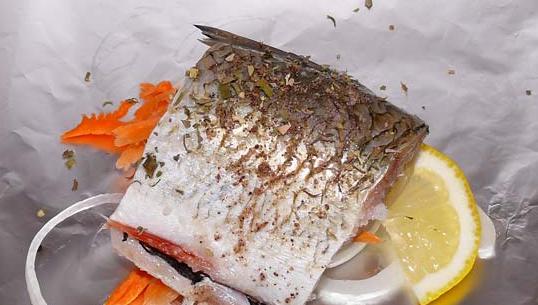 Рыба, запеченная в духовке кусочками - фото шаг 3