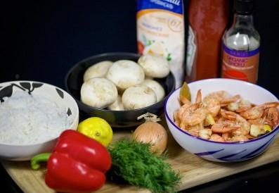 Рецепт Салат из креветок, грибов и риса