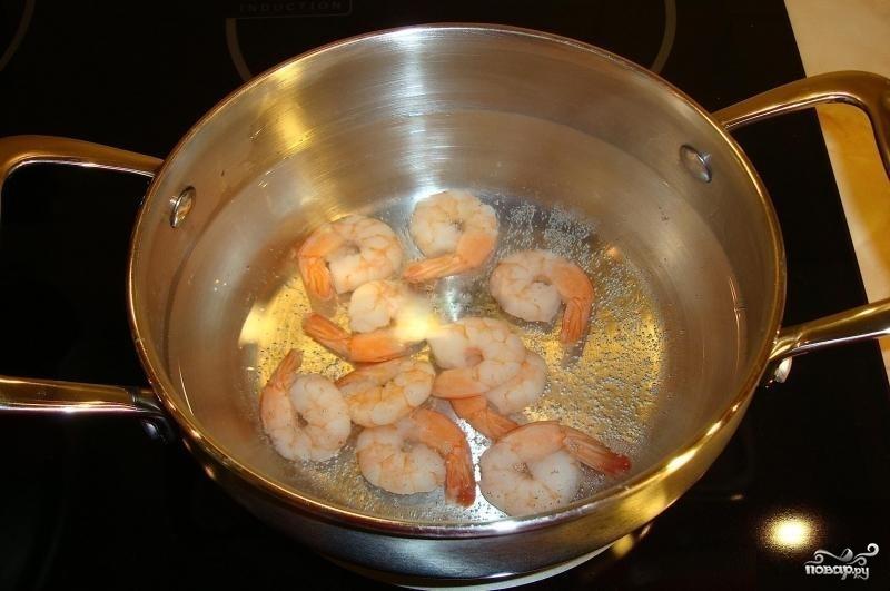 Гречневая лапша с овощами и креветками - фото шаг 1