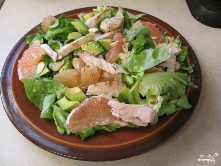 Куриный салат с грейпфрутом