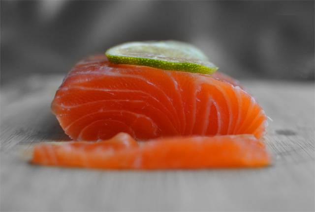 Засолка красной рыбы - фото шаг 4