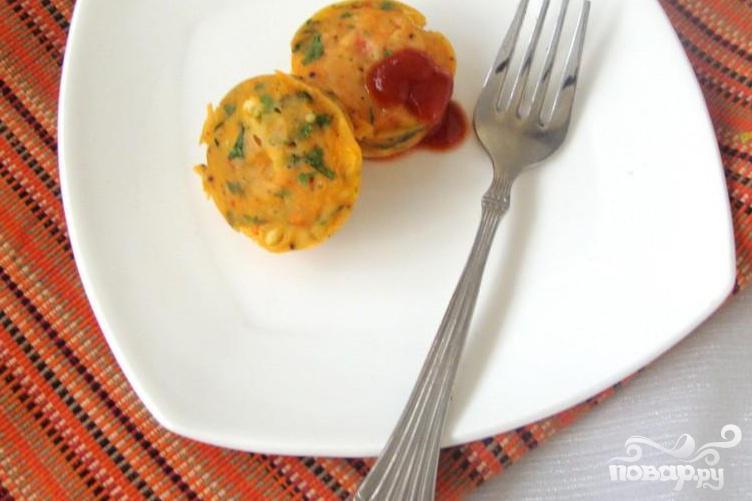 Морковные кексы с кориандром и кукурузой
