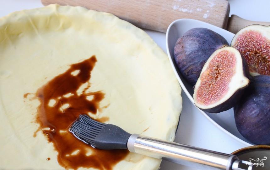 Рецепт Пирог с инжиром и козьим сыром