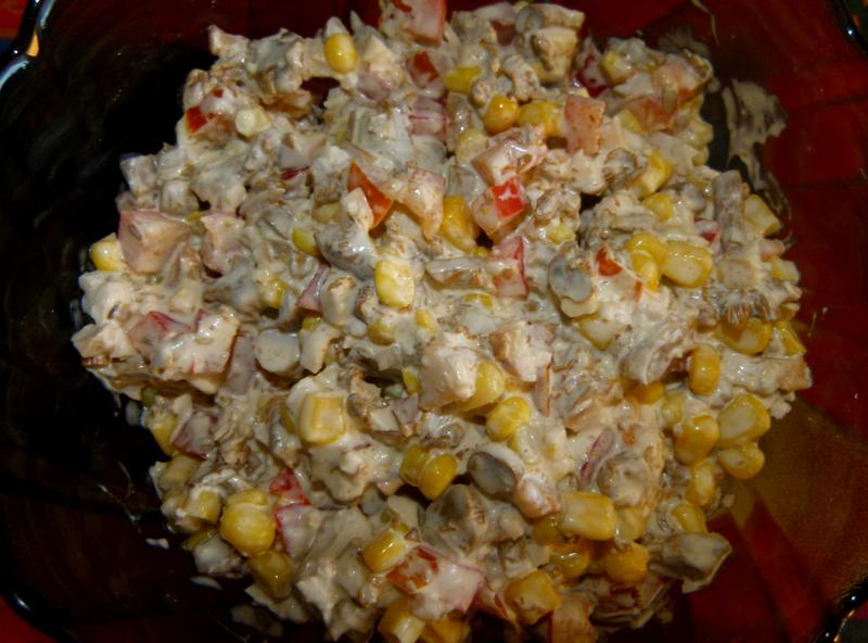 Салат с лисичками под сметаной - фото шаг 5