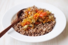 Тушеные овощи с грибами и гречкой