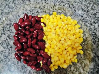 Мексиканский салат с фасолью - фото шаг 2