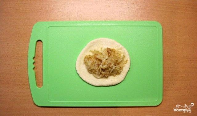 Пирожки жареные с капустой - фото шаг 6