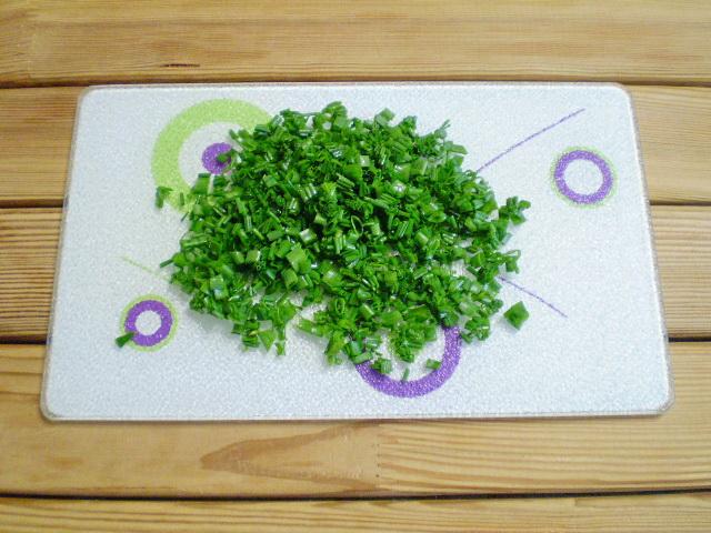 Пирожки с яйцом и зеленью - фото шаг 7