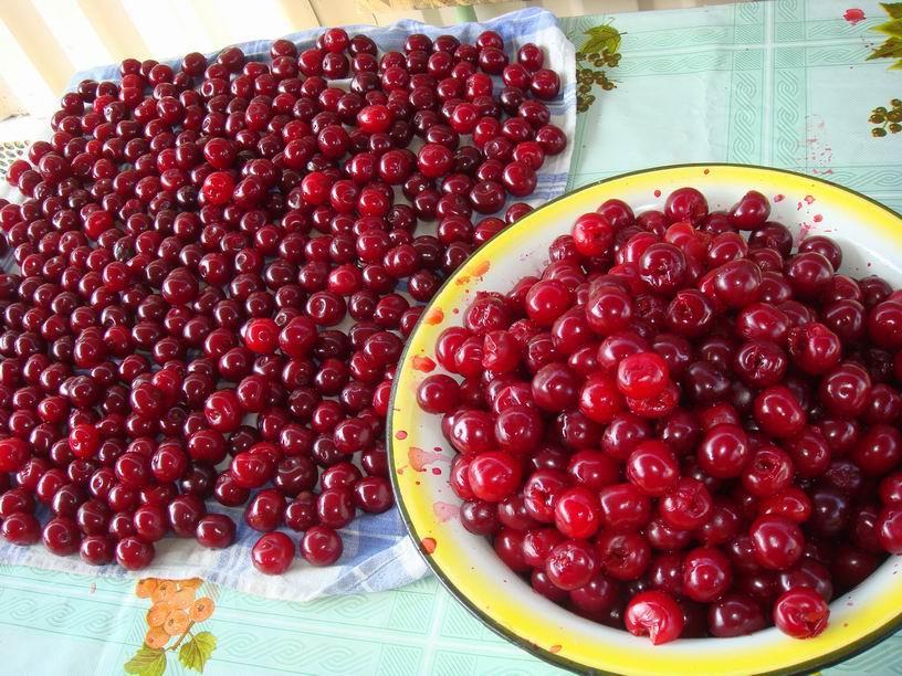 Рецепт Желе из вишни без варки
