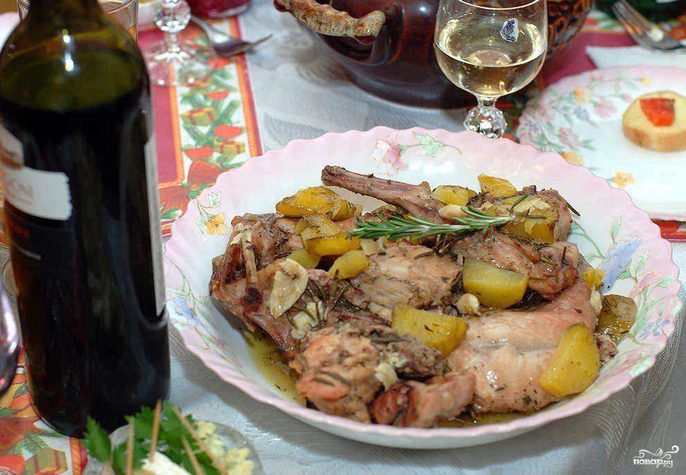 Кролик с розмарином в белом вине