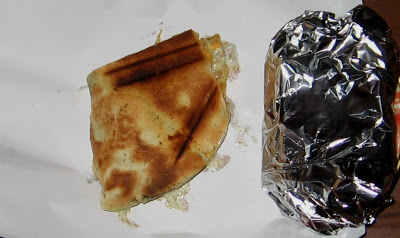 Шаурма с колбасой и сыром - фото шаг 7
