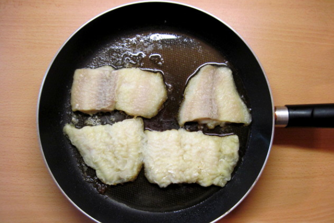 Пангасиус на сковороде - фото шаг 3