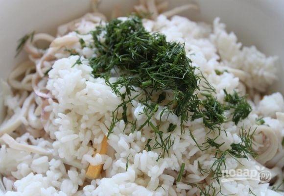 рецепт салат с консервированными кальмарами и рисом рецепт