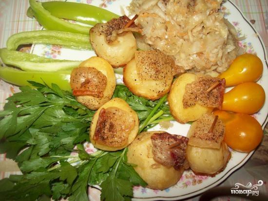 Картофель в духовке с салом