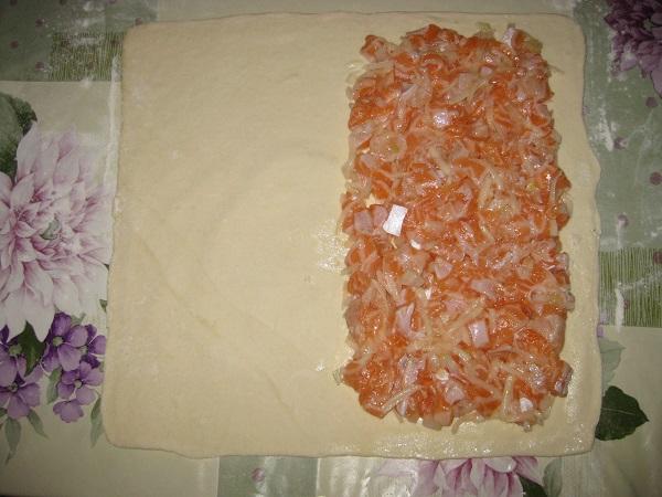Пирог с брюшками лосося - фото шаг 4
