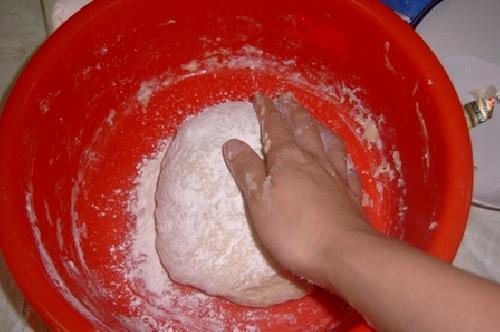Булочки с колбасой - фото шаг 6