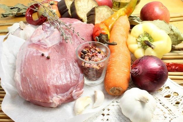 Свинина со свежими овощами - фото шаг 1