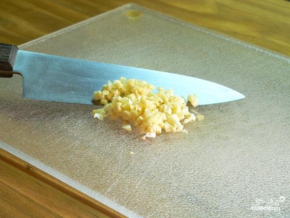 Картошка с чесноком и укропом - фото шаг 3