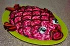 Селедка под шубой в виде рыбы
