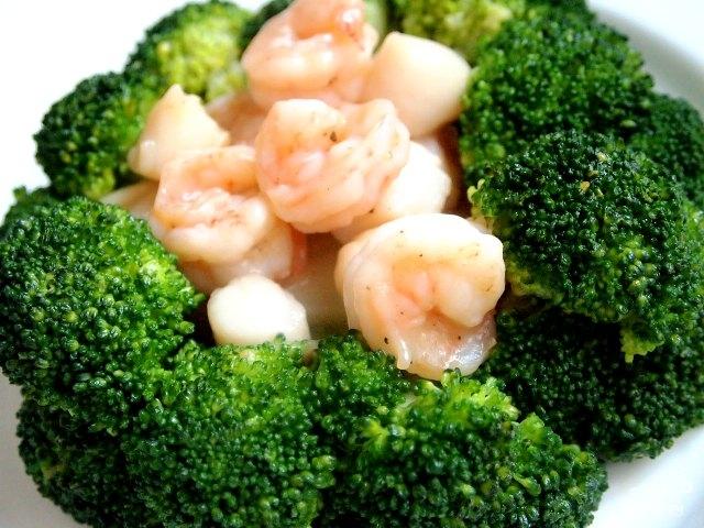 Брокколи с морепродуктами - фото шаг 5