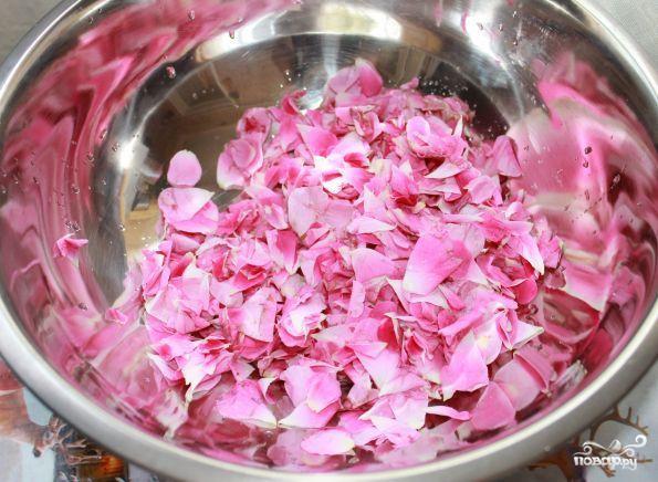 Варенье из роз - фото шаг 1