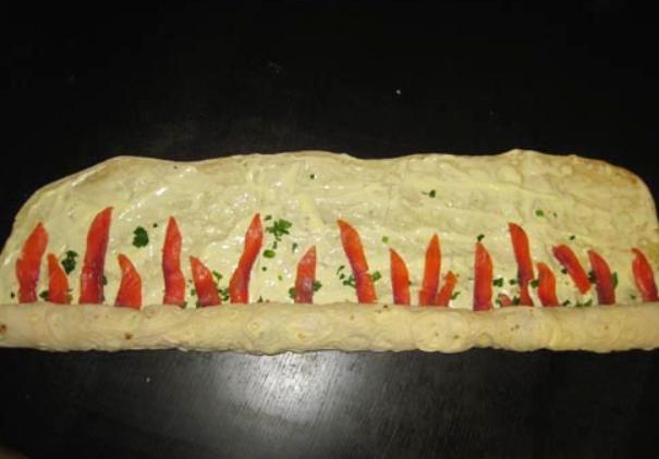 Лаваш с рыбой и плавленым сыром - фото шаг 5