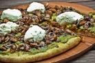 Цельнозерновая пицца с шампиньонами и рикоттой