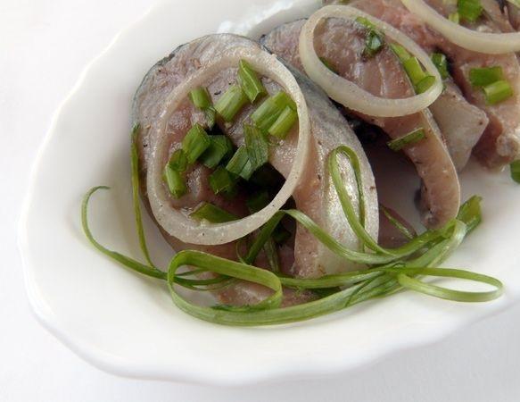 Скумбрия салат как можно сделать