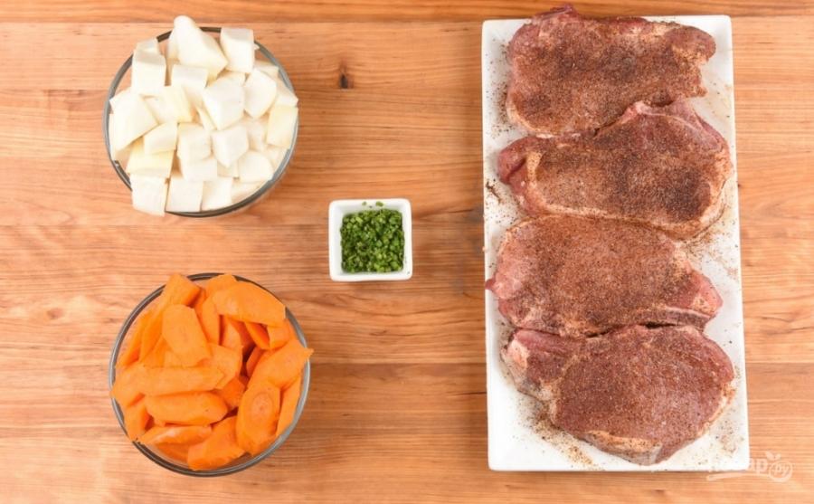 Рагу свиное на кости - фото шаг 1