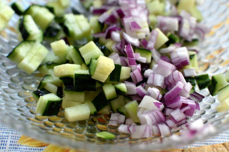 Салат из овощей-гриль со свежим огурцом