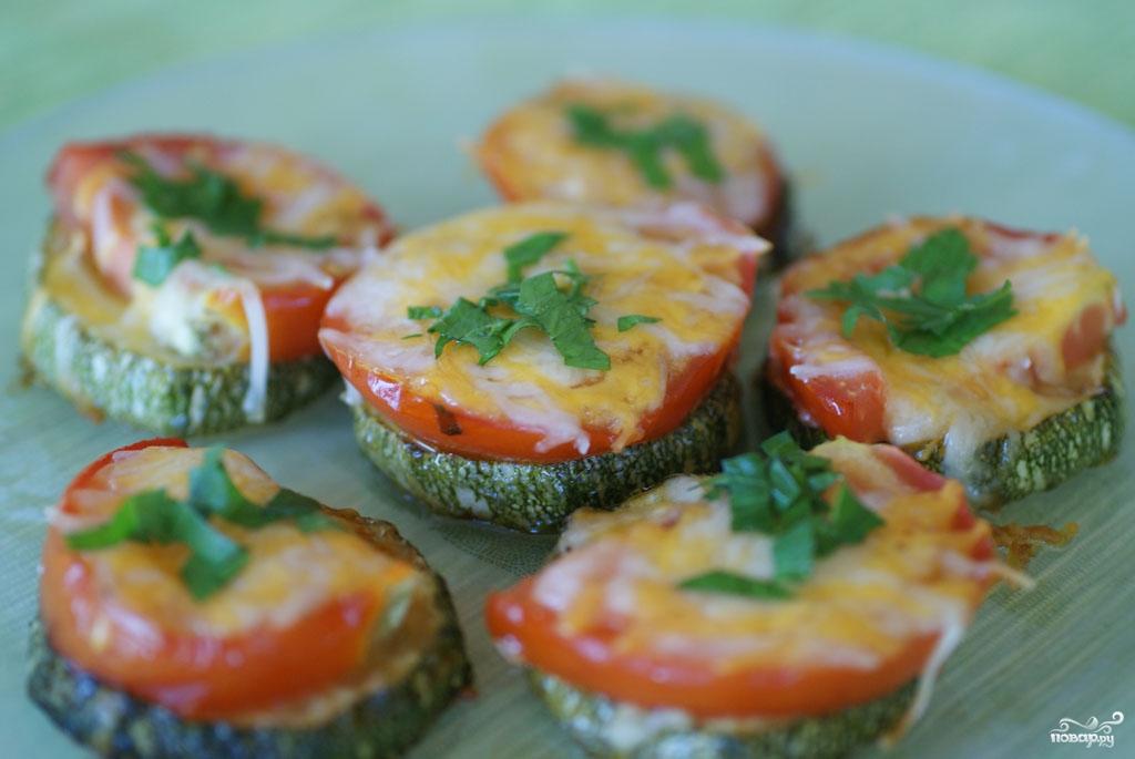 Рецепт Кабачки с помидорами и сыром