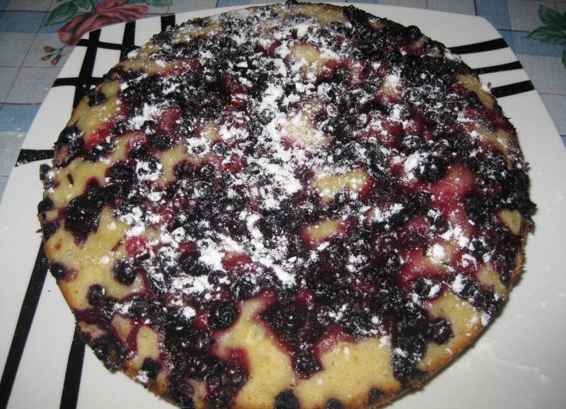 Пирог со смородиной в мультиварке - фото шаг 8
