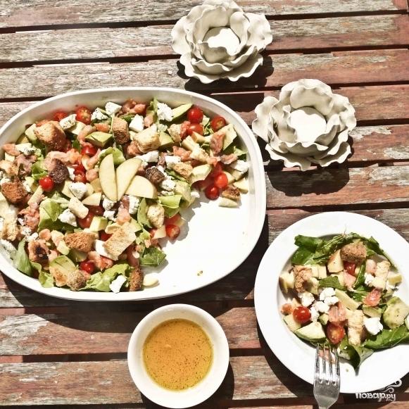 Салат с лососем и козьим сыром - фото шаг 11