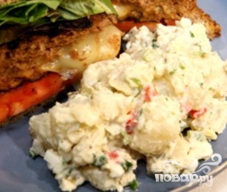 Рецепт Картофельный салат с сельдереем и корнишонами