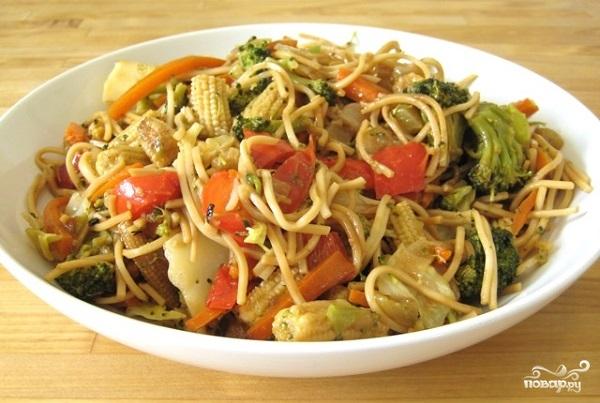 Лапша с овощами по-китайски