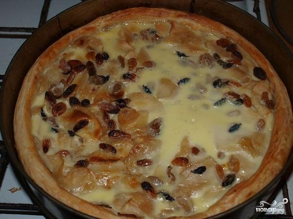 Слоеный пирог с яблоками из готового теста - фото шаг 11