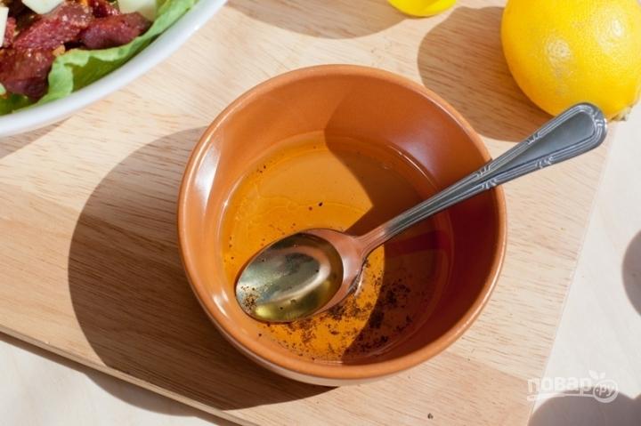салаты с сухариками с колбасой рецепты с фото