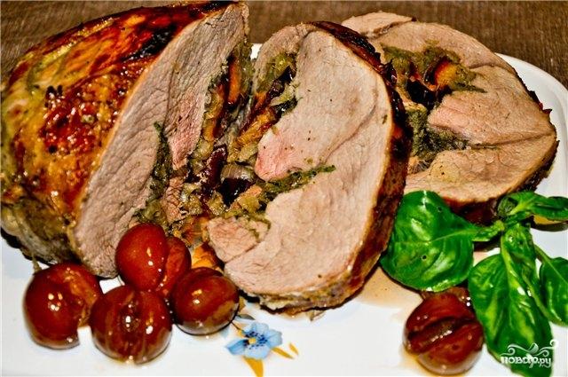 Свинина, запеченная со сливами - фото шаг 8