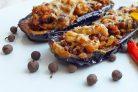 Баклажаны, фаршированные овощами, мясом и орехами