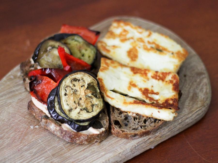 Бутерброды с баклажанами и чесноком - фото шаг 3