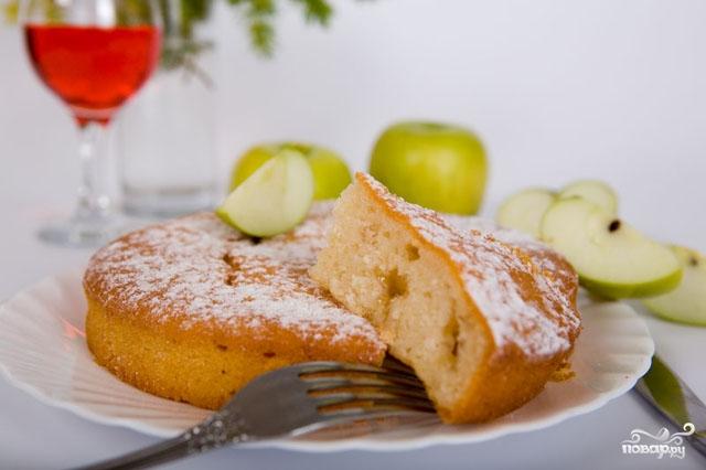 Рецепт Шарлотка с яблоками в мультиварке