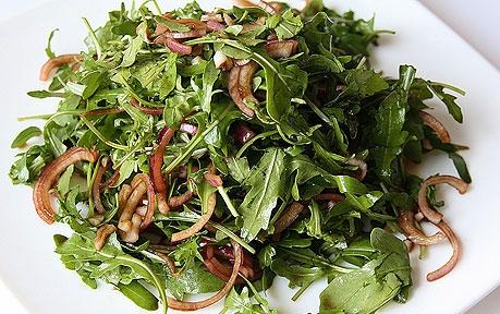 Горячий салат с куриной печенью - фото шаг 5
