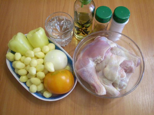Рецепт Курица, тушенная с овощами в духовке