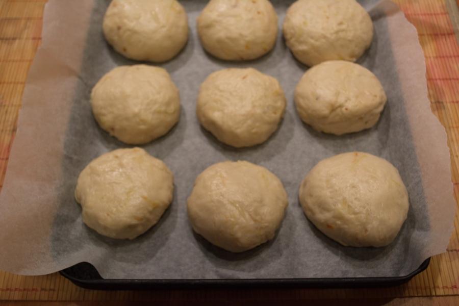 Булочки из дрожжевого теста в духовке - фото шаг 6