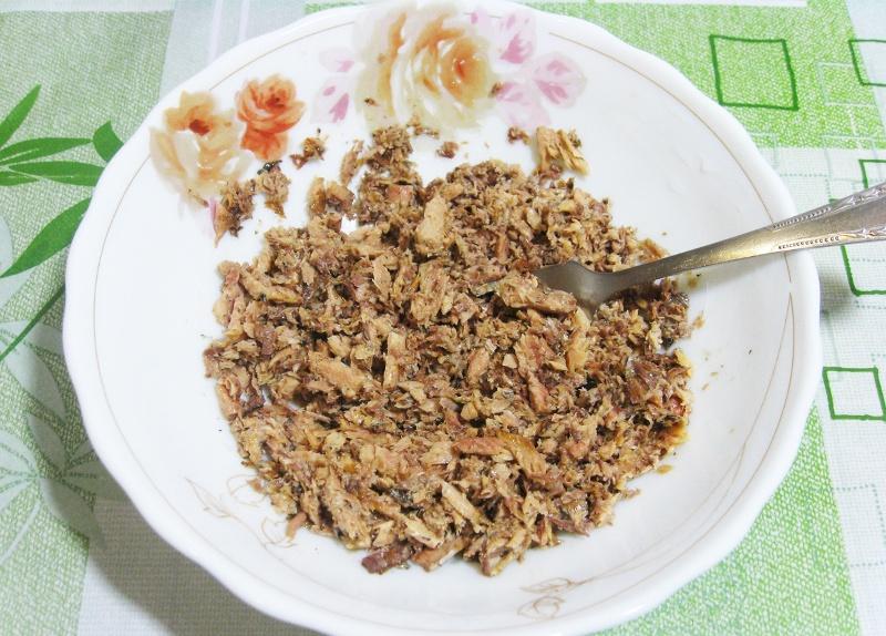 Рецепт Рулет из лаваша с консервированной рыбой