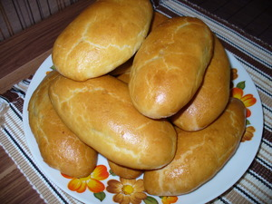 Печеные пирожки на кефире - фото шаг 6