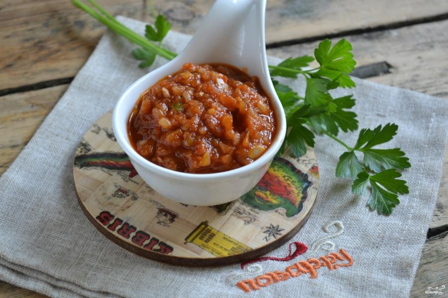 как приготовить аджику из чеснока с томатной пастой7