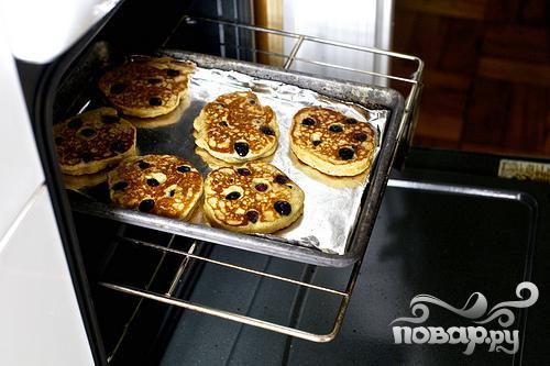 Черничные оладьи с йогуртом - фото шаг 5