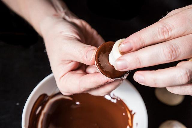 Шоколадные грибочки - фото шаг 3